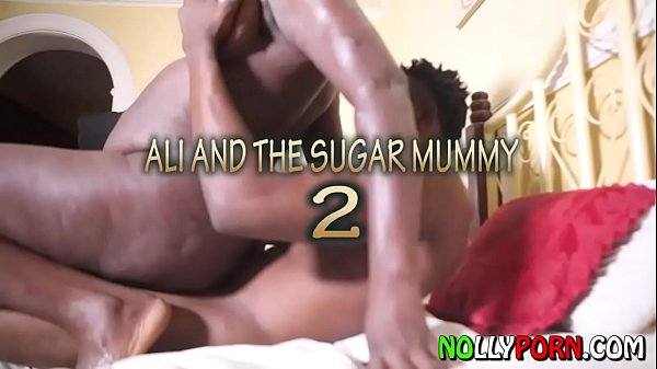 Сексапильная леди умело мастурбирует огромную колбасу юноши дрочит член массирует яички рукой